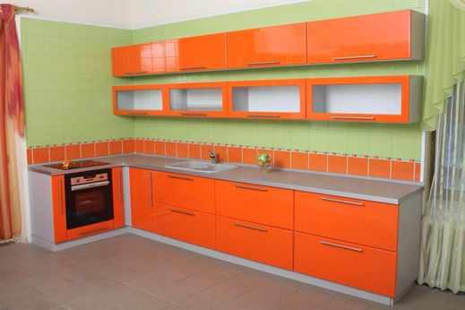 Кухня оранжевого цвета какие подобрать обои в