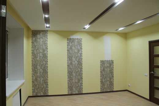 Примеры оклейки стен обоями фото