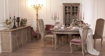 Гостиная в мебелью во французском стиле