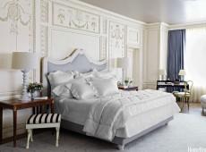 Бела резная кровать