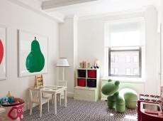 Детская комната с рисунком на стене грушей