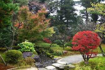 kenroku-en-gardens-01