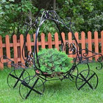 Оригинальные задумки для сада своими руками: обзор самых интересных вариантов