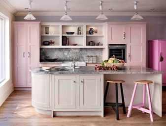 Красивая розовая кухня