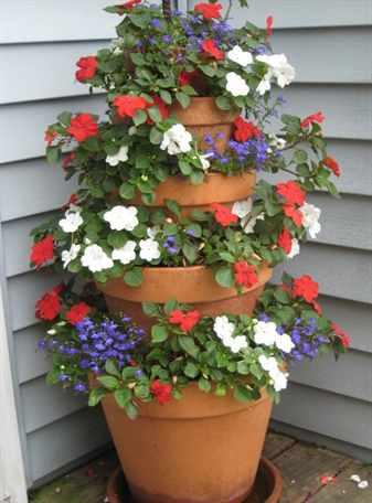 Самые популярные варианты вертикальных цветников